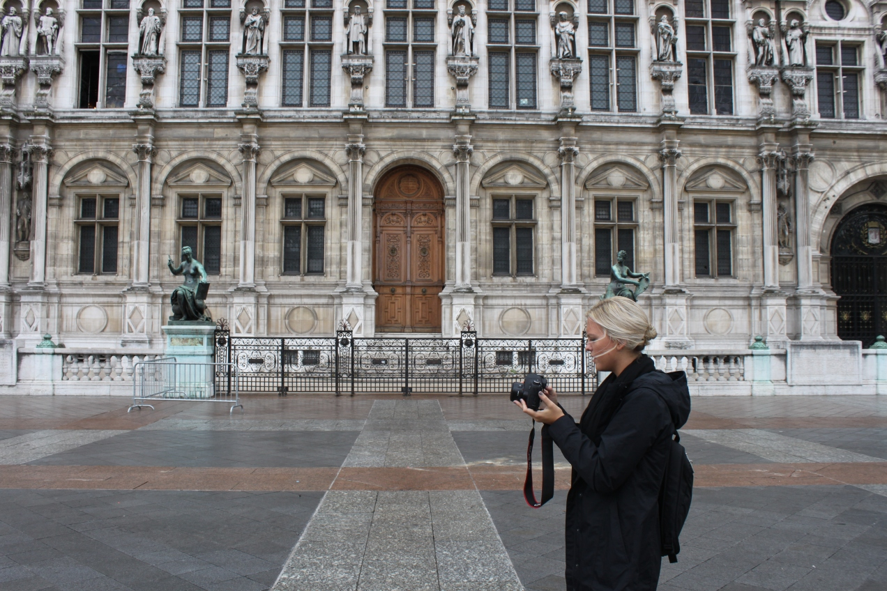 Mamie in front of the Hôtel De Ville